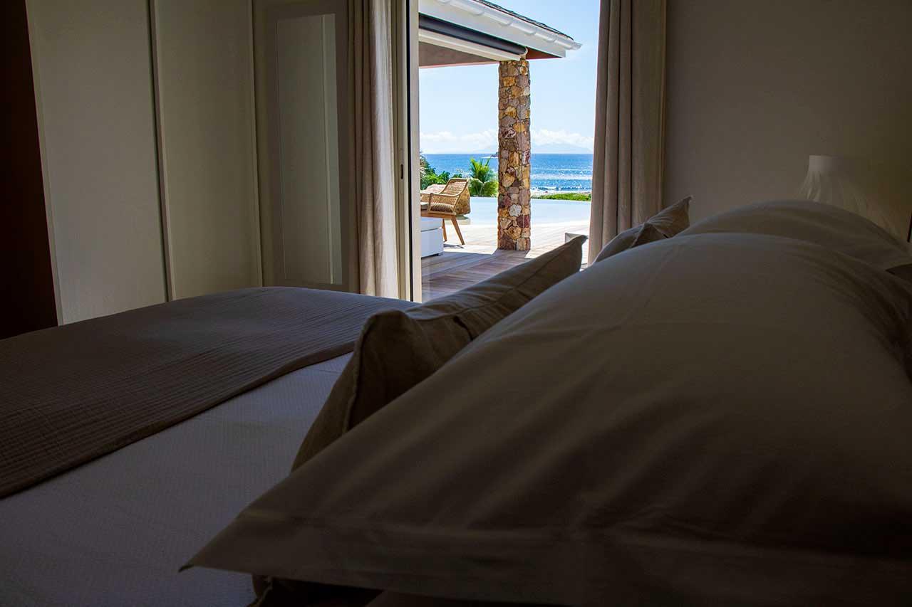 Villa La Villa La Roche dans l'Eau : Beige BedroomRoche dans l'Eau : Beige Bedroomm