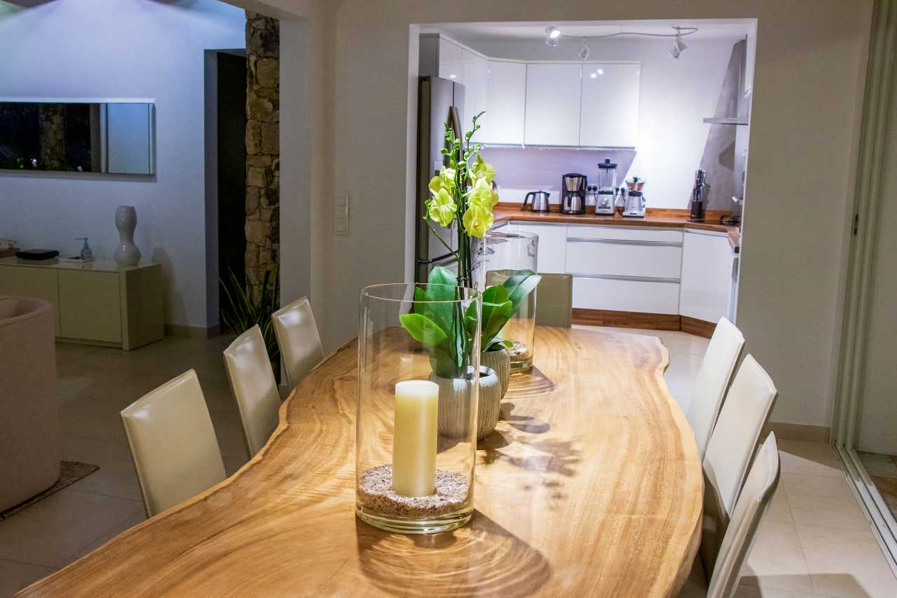 Villa La Roche dans l'Eau : Dining Room