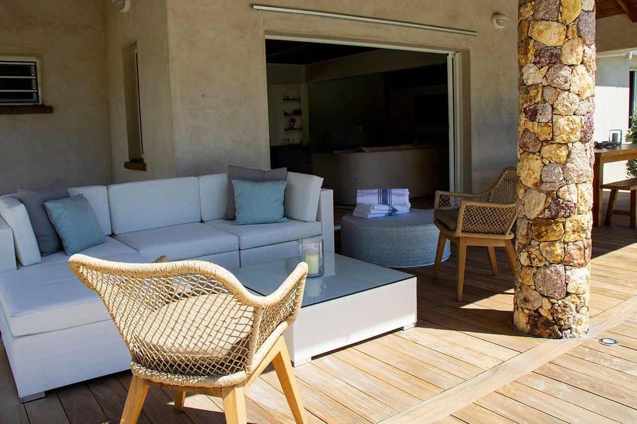 Villa La Roche dans l'Eau : Garden and View
