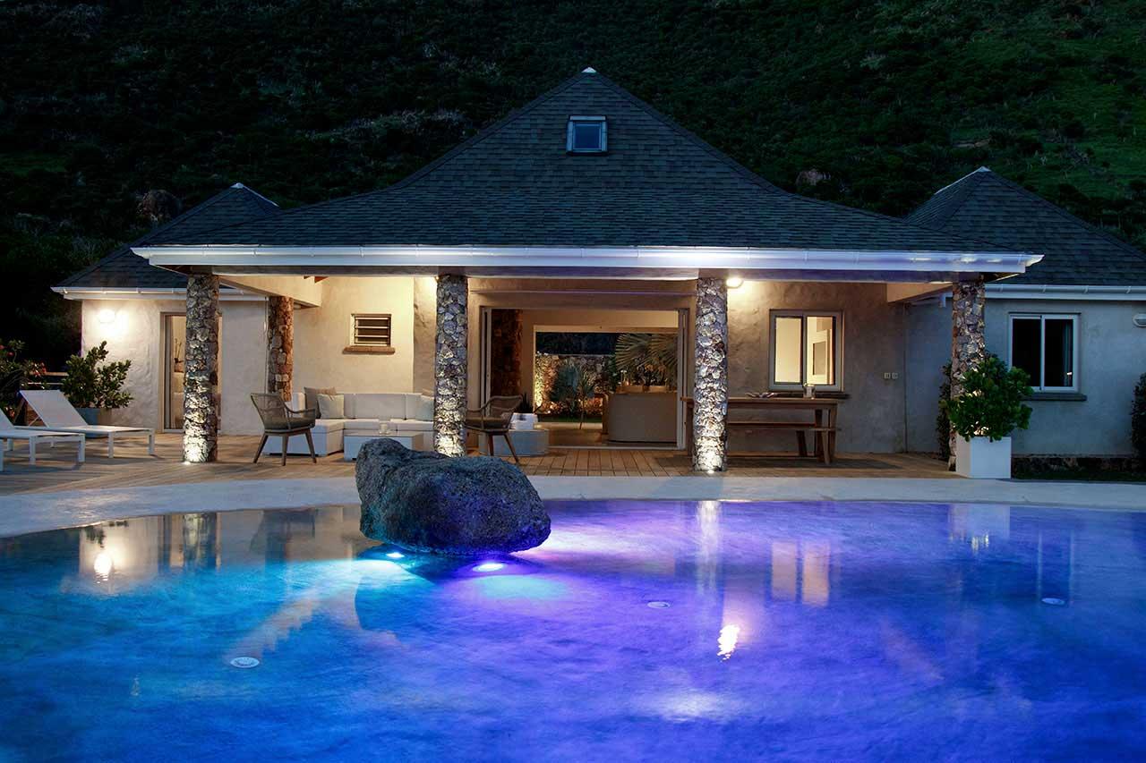 Villa La Roche dans l'Eau : House