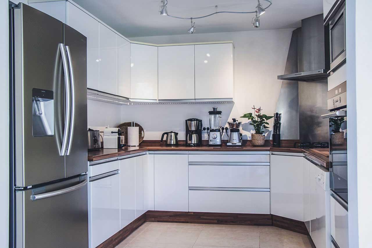 Villa La Roche dans l'Eau : Kitchen